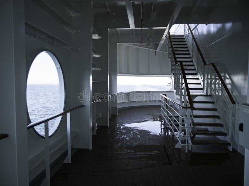 Janela do navio de cruzeiros imagens de stock