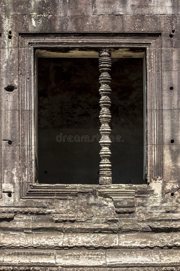 Janela e luz do curso de Angkor Wat Siem Reap Cambodia South Ásia Oriental imagens de stock royalty free