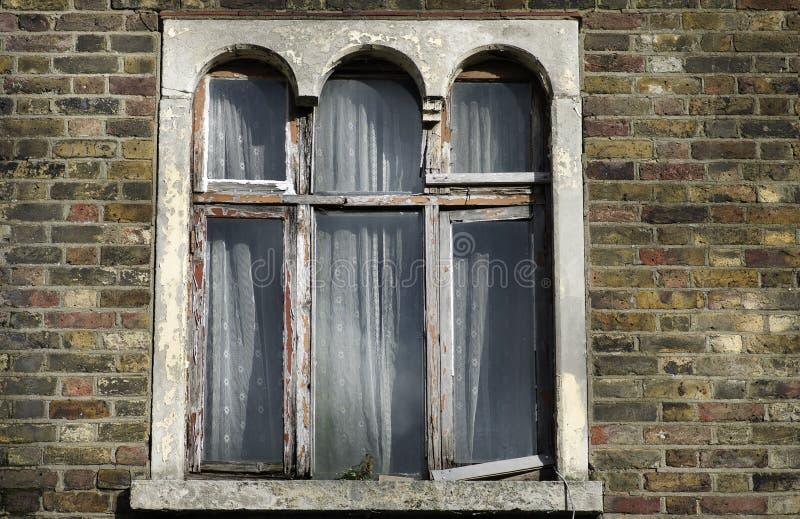 Janela exterior da casa do vintage em Islington Londres Reino Unido foto de stock