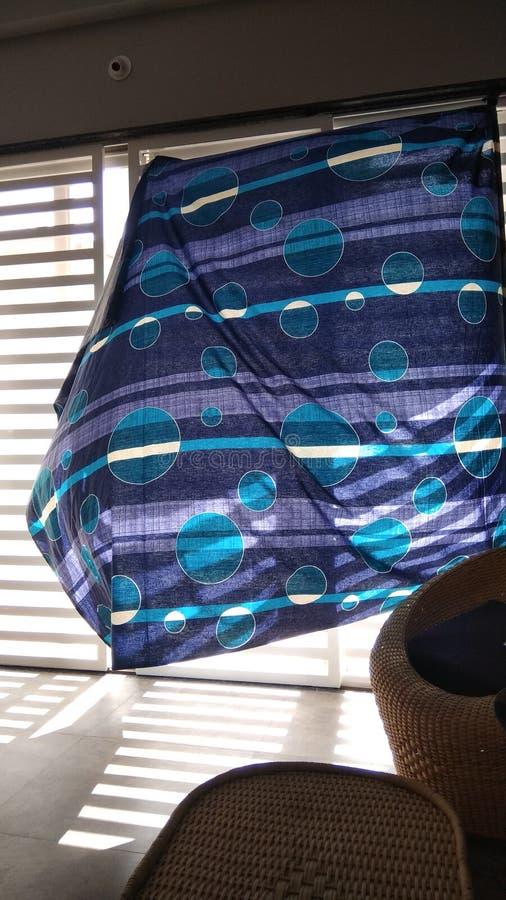 Janela horizontal com cortina imagens de stock
