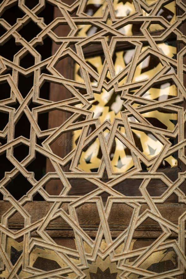 Janela islâmica árabe do fundo do teste padrão da mesquita fotografia de stock