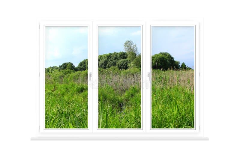 Janela isolada com vista ao campo do verão Vista rural imagem de stock royalty free
