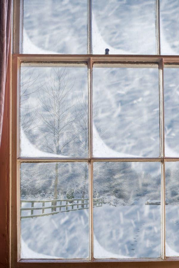 Janela nevado imagem de stock royalty free