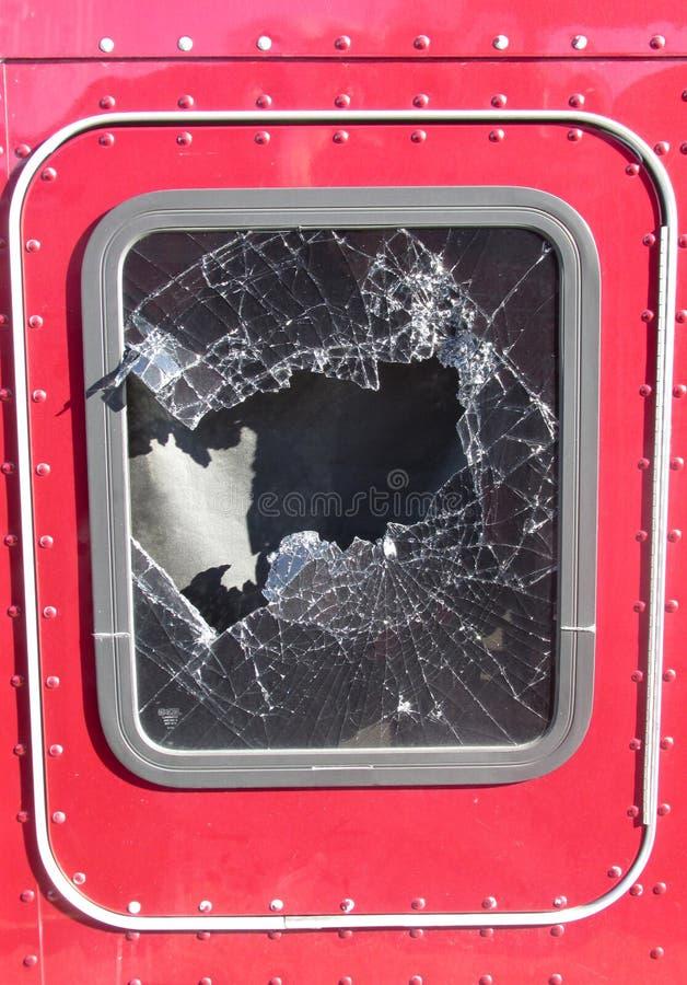 Janela quebrada do caminhão fotos de stock royalty free