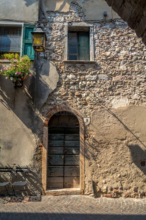 Janela Venetian, porta, arco, arquitetura de Itália imagem de stock