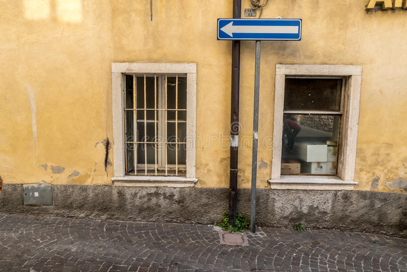 Janela Venetian, porta, arco, arquitetura de Itália imagens de stock royalty free