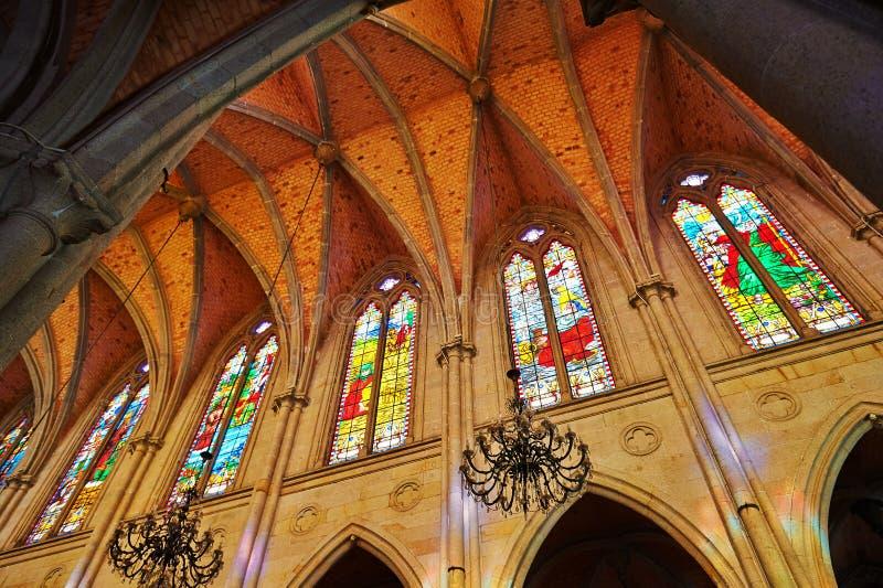 Janelas da catedral de Guangzhou foto de stock