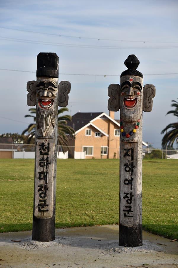 Jangseung totemy ochraniają świątynię Koreańska przyjaźń zdjęcia stock