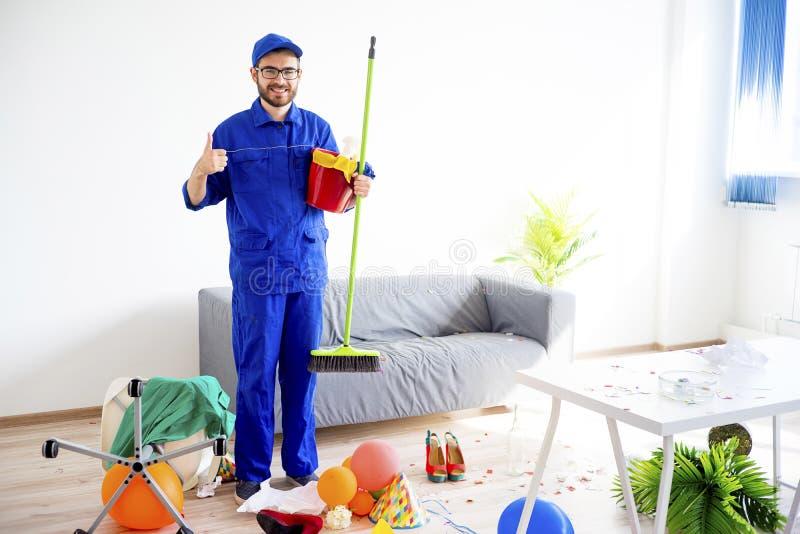 Janitor czyści bałagan zdjęcia royalty free