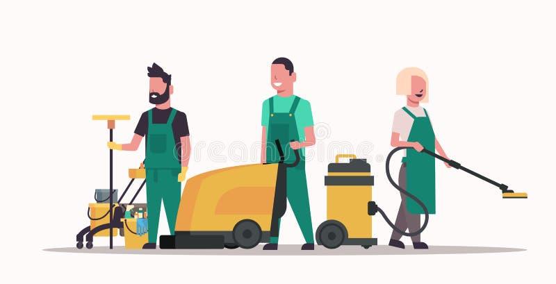 Janitors zespalają się czyści usługowego pojęcia męskich żeńskich czyścicieli w jednolitym działaniu wraz z fachowym wyposażenia  ilustracja wektor