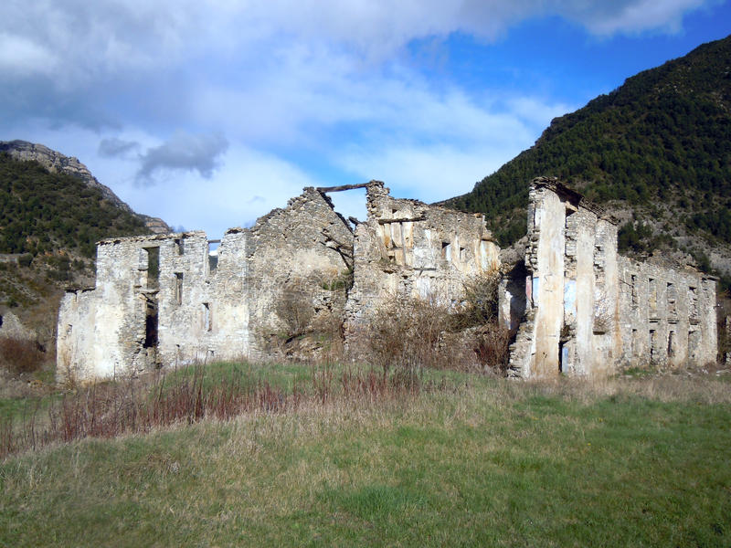 Janovas uma vila abandonada na Espanha de Huesca imagens de stock royalty free