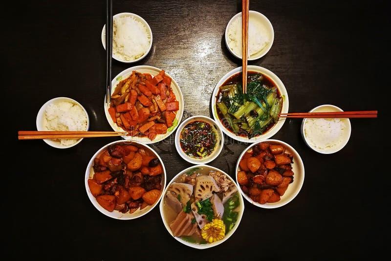 Jantar chinês para quatro famílias fotos de stock royalty free