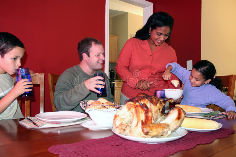 Jantar da família da acção de graças imagens de stock