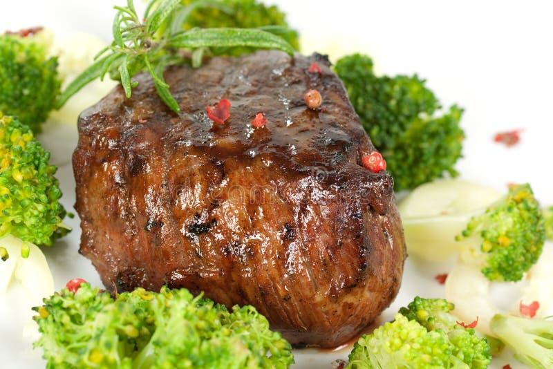 Jantar do bife, cozimento na grelha suculento do Mignon- de faixa, isolat fotografia de stock royalty free