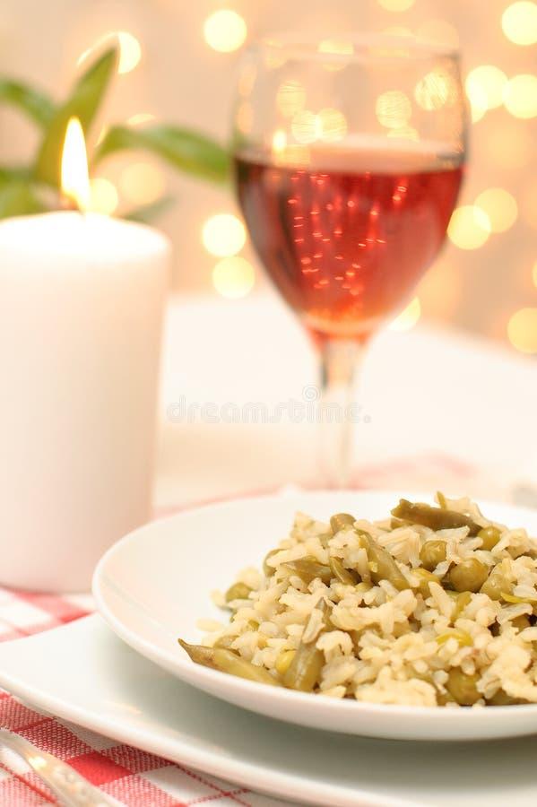 Download Jantar Do Vegetariano Com Um Serviço Foto de Stock - Imagem de elegante, cutlery: 12806606