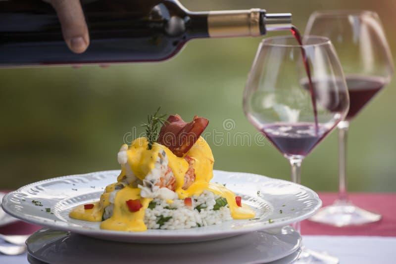 Jantar fino da refeição da lagosta no restaurante fotografia de stock