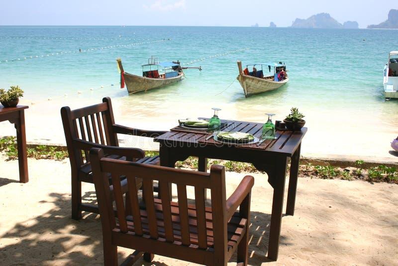 Jantar pelo mar foto de stock royalty free