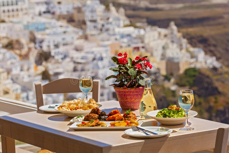 Jantar romântico, Santorini foto de stock royalty free