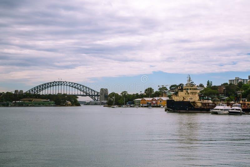 10. Januar 2017 Sydney, Australien: Ansicht der Hafen-Brücke a lizenzfreie stockbilder