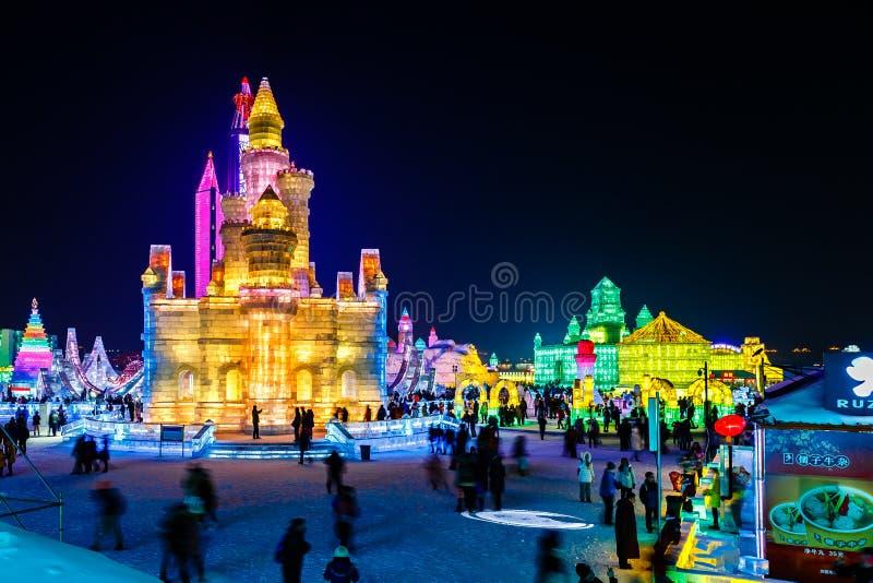 Januari 2015 - Harbin, Kina - internationell is och snöfestival royaltyfria bilder