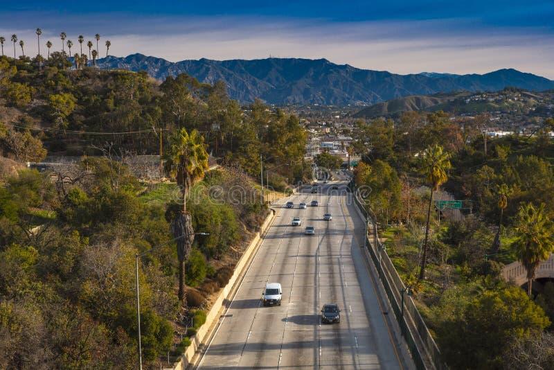 20 JANUARI, 2019, LOS ANGELES, CA, de V.S. - de Snelweg van Pasadena (het Brede rijweg met mooi aangelegd landschap van Arroyo Se royalty-vrije stock afbeelding