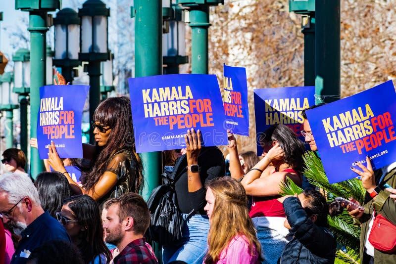 27 januari, 2019 Oakland/CA/de V.S. - Deelnemers in Kamala Harris voor President Campaign Launch Rally royalty-vrije stock afbeelding