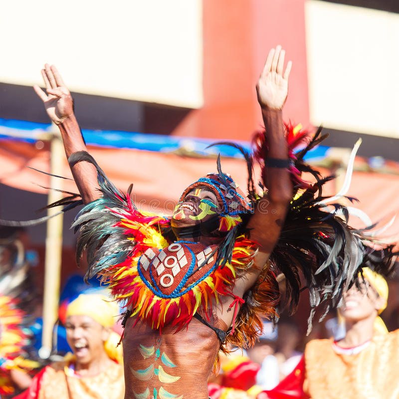 Januari 24th 2016 Iloilo Filippinerna Festival Dinagyang Unid royaltyfri bild