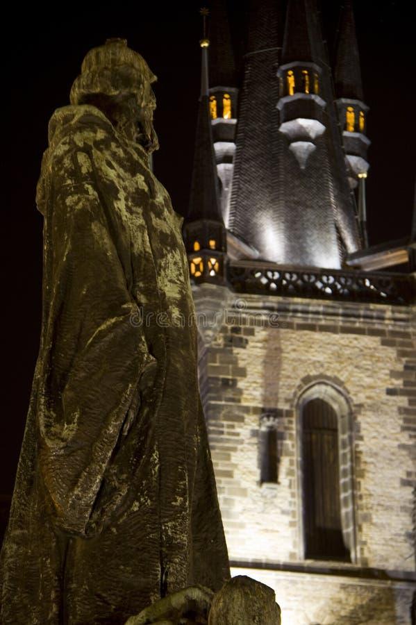 Janv. Hus et église de Tyn photo libre de droits