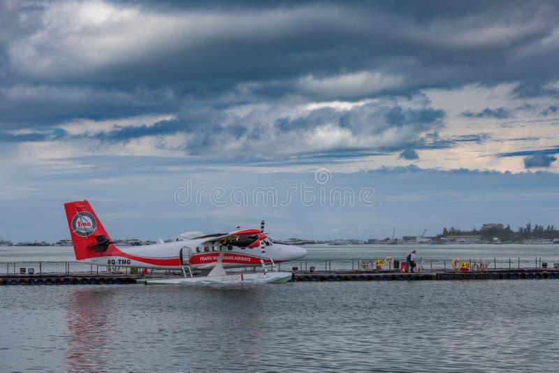 04 janvier 2017 - Mâle, Maldives : Hydravion par temps ensoleillé de attente d'aéroport à décoller photo stock