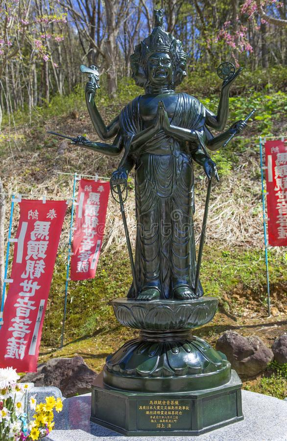japão Aomori Templo de Saru Seiryu do templo A estátua muito-armada da Buda imagens de stock