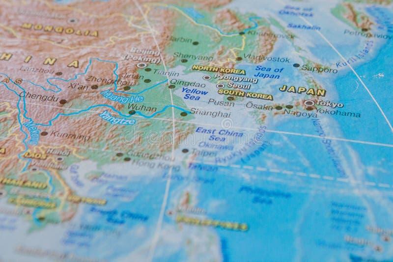 Jap?o e Coreia no fim acima no mapa Foco no nome do pa?s Efeito do Vignetting imagem de stock royalty free