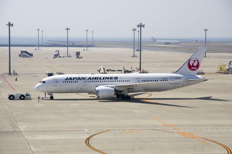 Japan Airlines Boeing 787 bij de Internationale Luchthaven van Chubu Centrair royalty-vrije stock foto's