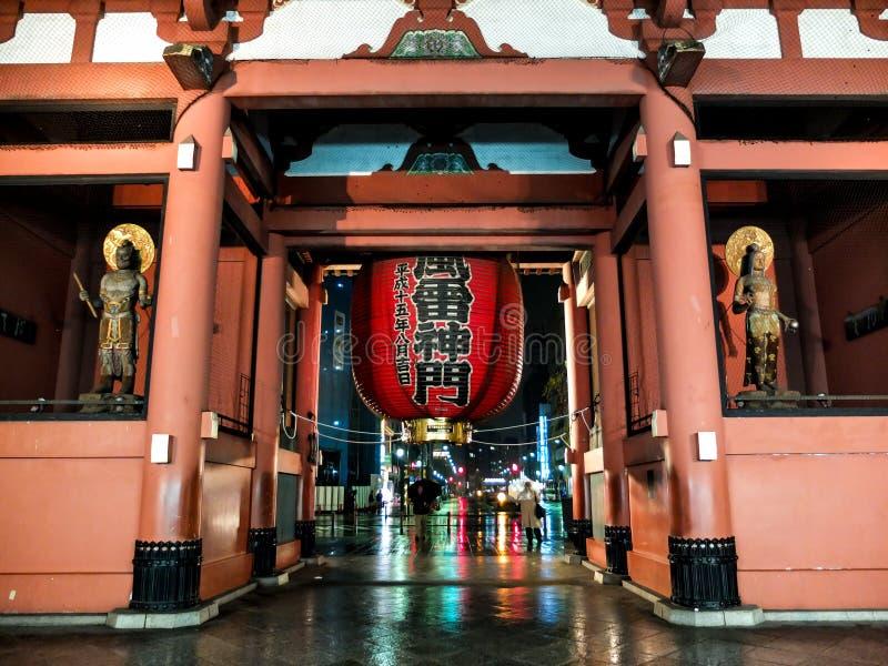 Japan Asakusa gammal tempel arkivbilder