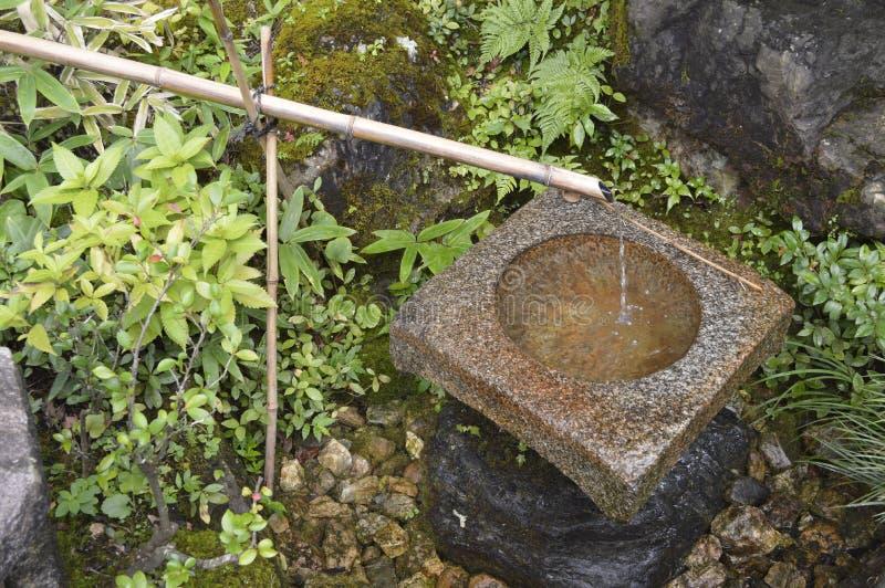 Japan-Brunnen in Kinkaku-ji lizenzfreies stockbild
