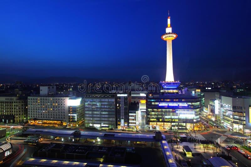 Japan horisont på det Kyoto tornet royaltyfri bild