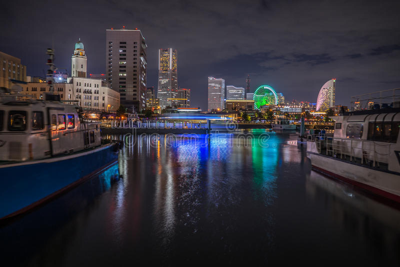 Japan Yokohama stadssikt på natten arkivbilder