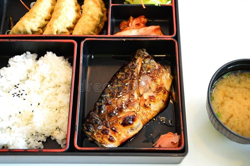 Download Japanease食物箱子 库存照片. 图片 包括有 日语, 食物, 正餐, 健康, 棚车, 深深, 新鲜 - 30334754