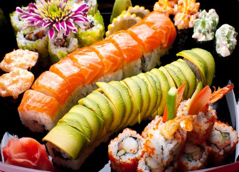 japanen rullar sushi royaltyfri bild