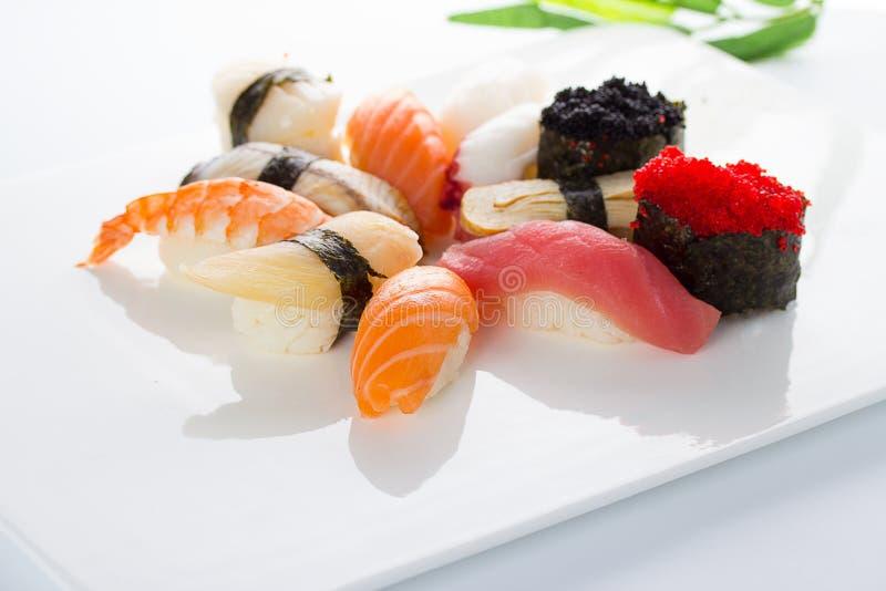 Japanesse kokkonst Sushi royaltyfri bild