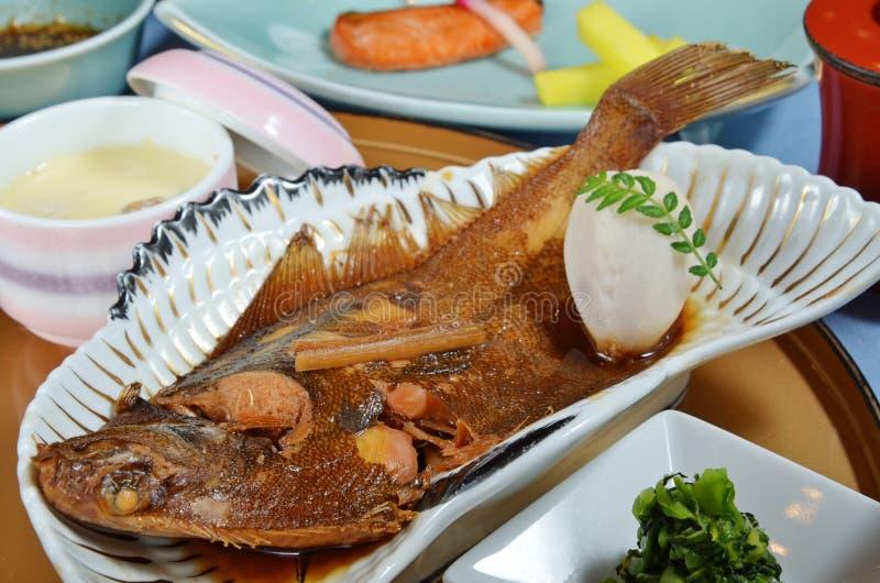 Japanische Art siedete Fische lizenzfreie stockbilder