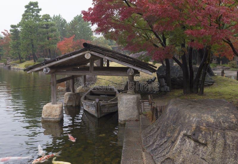 Japanische Bootshalle stockbild