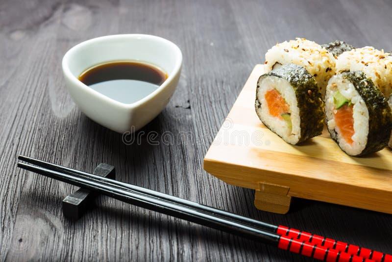 Japanische Meeresfrüchtesushi lizenzfreies stockbild