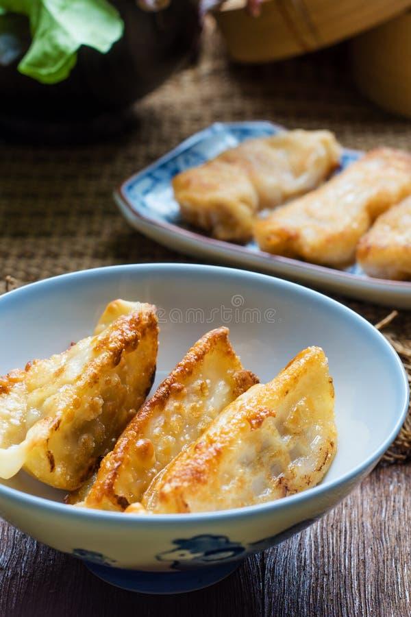 Japanische Nahrungsmittel Gyoza, Gyoza mit Garnelenfleisch stockfoto