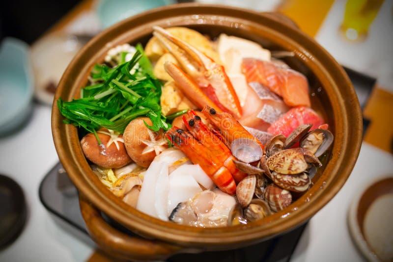 Japanische Suppe der rohen Meeresfrüchte lizenzfreies stockbild
