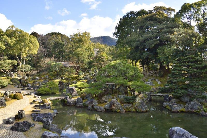 Japanische Teich-Garten-Landschaft stockfoto
