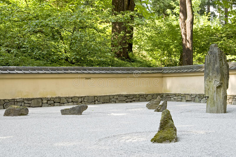 Japanischer Felsen-Zengarten lizenzfreie stockfotos