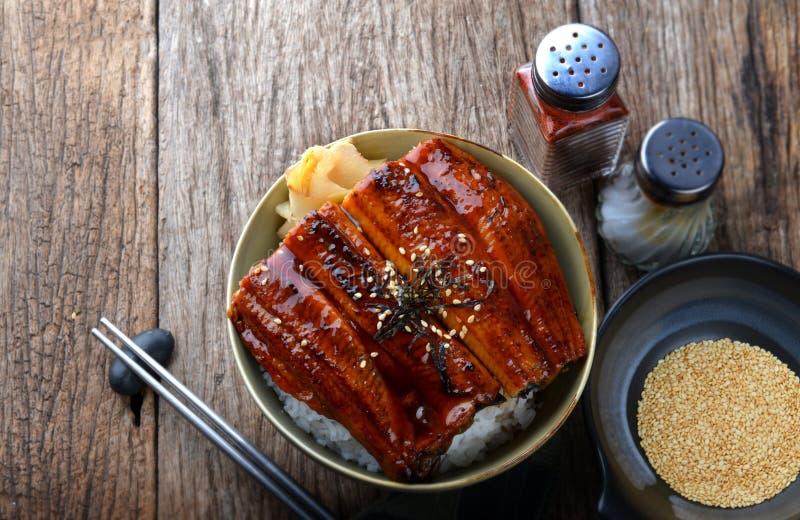 Japanischer gegrillter Aal mit Reis stockfotos