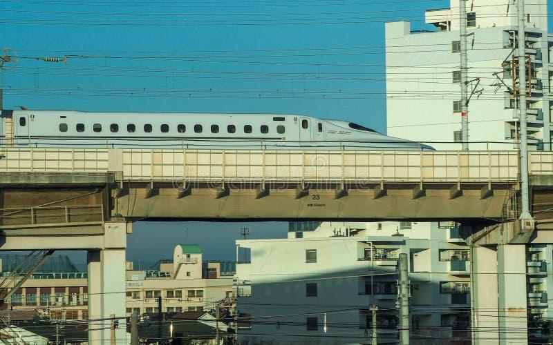 Japanischer Hochgeschwindigkeitskugelzug lizenzfreie stockfotografie