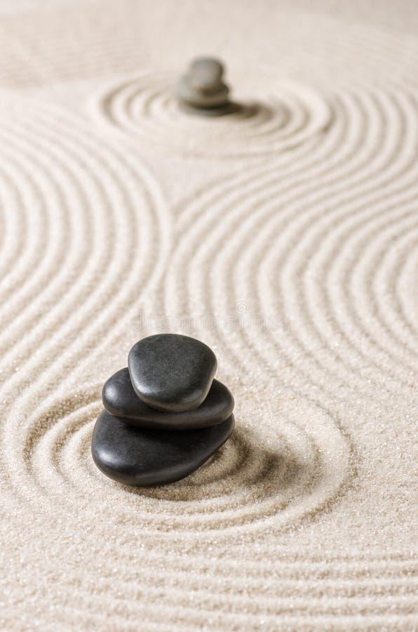 Japanischer Steingarten mit Kieseln stockfotografie
