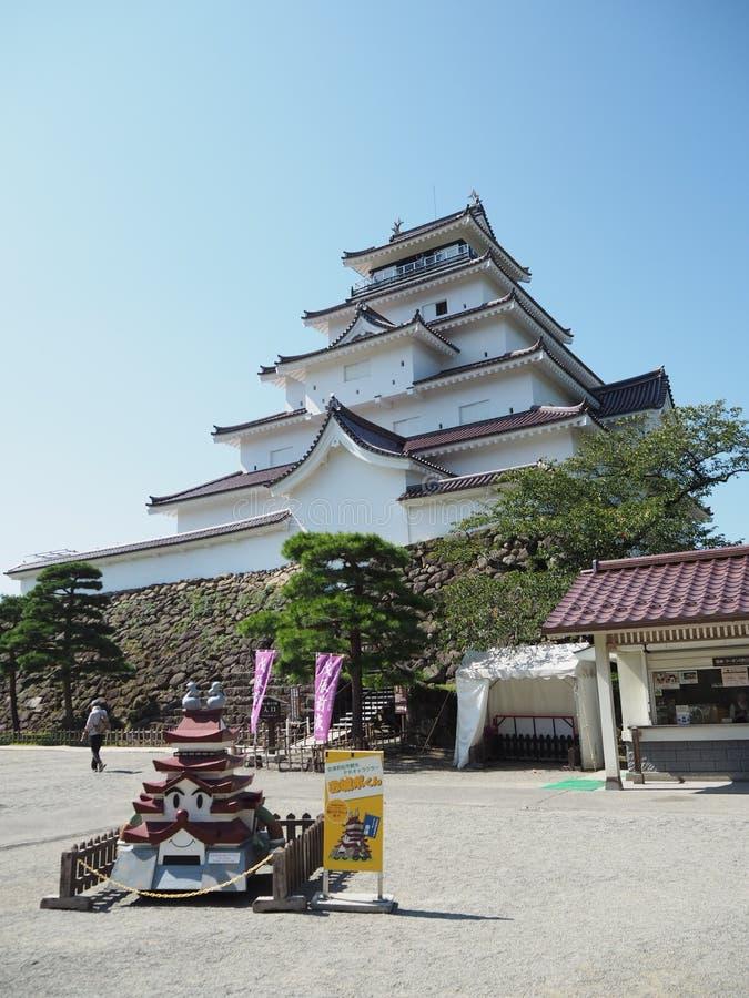 Japans Kasteel met Blauwe Hemel royalty-vrije stock afbeeldingen